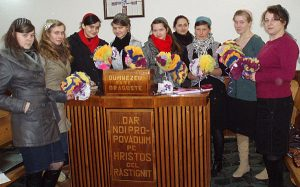 ROMANIA-Group--with-Crafts